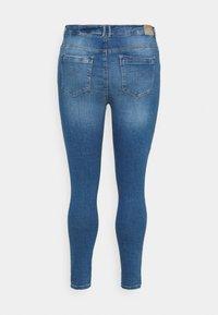 ONLY Carmakoma - CARLAOLA  - Jeans Skinny Fit - light blue denim - 7
