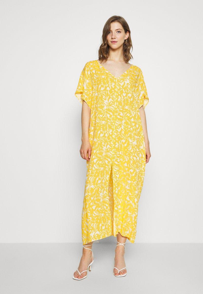 Monki - APRIL DRESS - Maxikjole - beige/yellow
