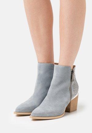 Kotníková obuv - jeans