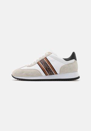 ELIAS - Sneakers laag - white/fango/black