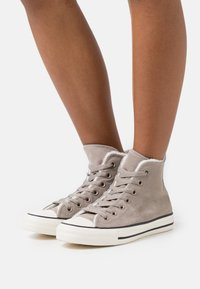 Converse - CHUCK TAYLOR ALL STAR  - High-top trainers - malted/egret - 0