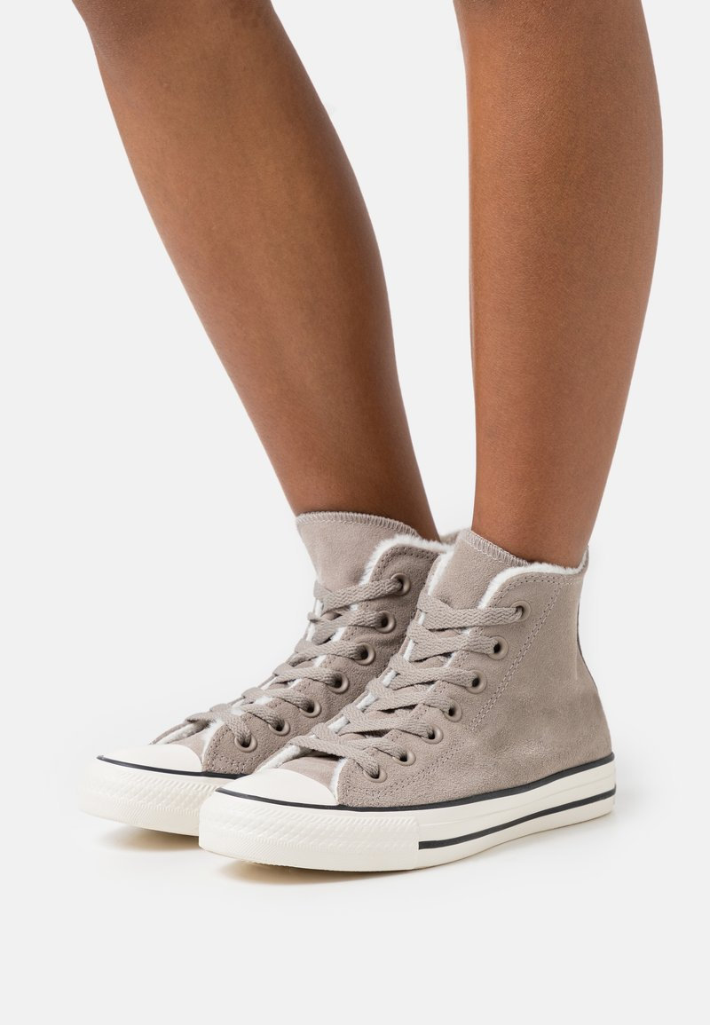 Converse - CHUCK TAYLOR ALL STAR  - High-top trainers - malted/egret