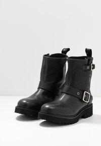 Blauer - IRVINE - Cowboy/biker ankle boot - black - 4