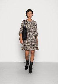 ONLY - ONLSTAR FRILL SHORT DRESS - Vardagsklänning - pumice stone - 1