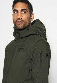 Peak Performance - MAROON LONG JACKET - Ski jacket - coniferous green - 3