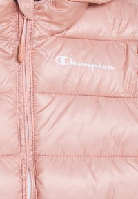 Champion - LEGACY OUTDOOR HOODED JACKET UNISEX - Zimní bunda - light pink - 2