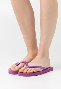 flip*flop - ORIGINALS METALLIC - Teenslippers - bold lavender - 0