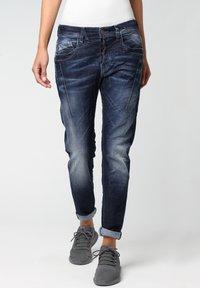 Gang - RELAXED FIT NEW GEORGINA - Slim fit jeans - vivid dark vintage - 0