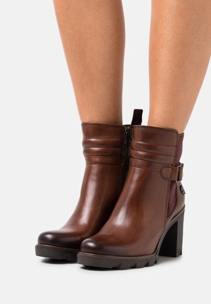 BY GUIDO MARIA KRETSCHMER - Classic ankle boots - cognac antic