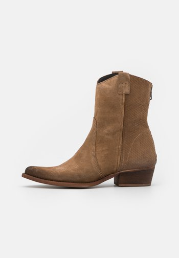 WEST - Cowboy/biker ankle boot - marvin/stone