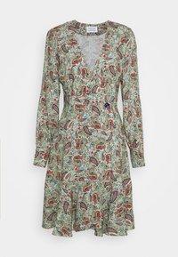 AWAY - Denní šaty - mint