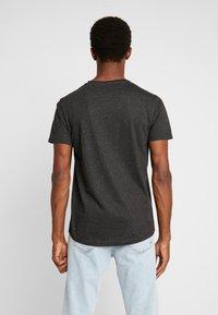 Shine Original - HAND EMBROIDERY TEE - T-Shirt print - black mix - 2