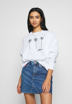Printed Crew Neck - Collegepaita - white