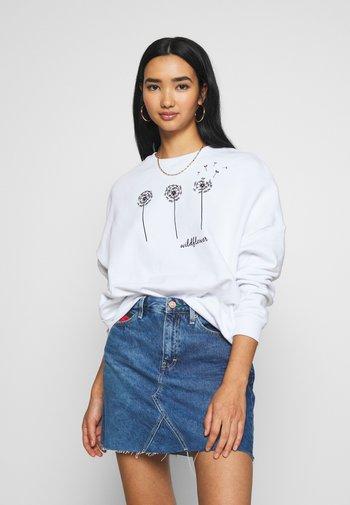 Printed Crew Neck - Sweatshirt - white