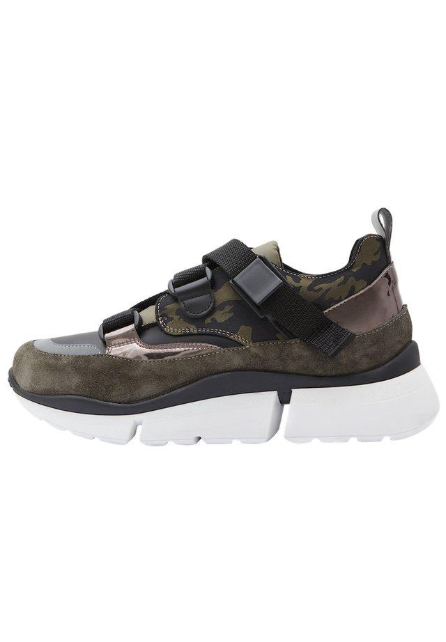 ROJA - Sneakers laag - olive