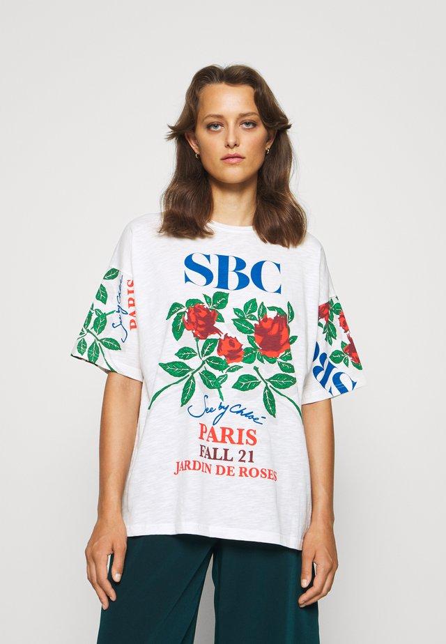 T-shirt print - cloudy white