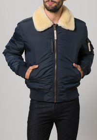 Alpha Industries - INJECTOR III - Bomberjacks - rep. blue - 1
