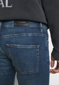 The Kooples - WITH ZIPPER DETAIL ON THE BOTTOM - Jean slim - blue - 5