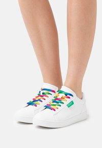 Benetton - LABEL LACES - Sneakers laag - white - 0