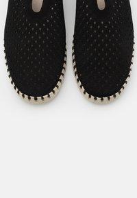 Ilse Jacobsen - Nazouvací boty - black - 5