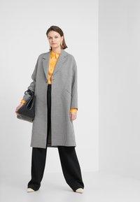 PS Paul Smith - Classic coat - black/white - 1