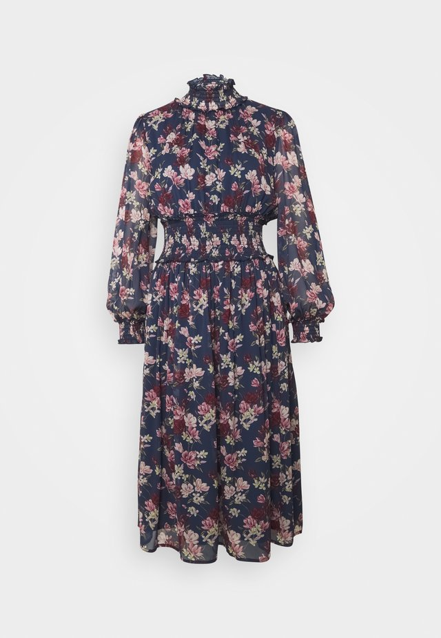 SADIE DRESS - Vapaa-ajan mekko - magnolia/indigo blue