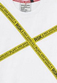 Redskins - ROCCO - Print T-shirt - white - 3
