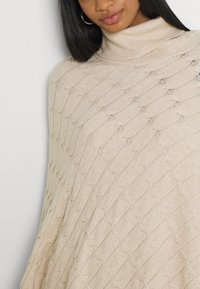 Forever New - RUBY CABLE KNIT PONCHO - Poncho - oatmeal - 5