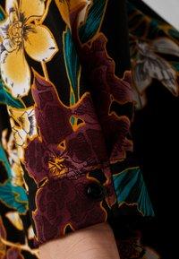 Dorothy Perkins Curve - FORMAL DRESS FLORAL - Jerseykjoler - black - 6