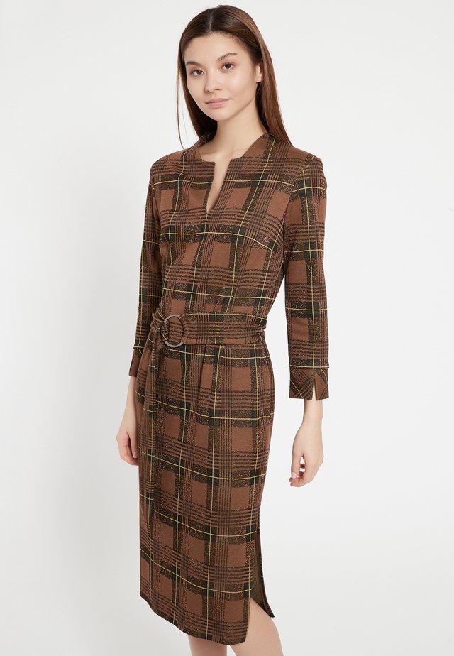 BEGLI - Shift dress - braun