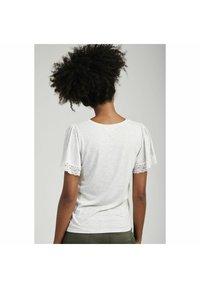 NAF NAF - Basic T-shirt - grey - 2