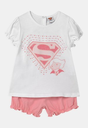 SUPERGIRL - Pyjama - flamingo pink