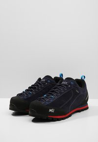 Millet - FRICTION GTX - Hiking shoes - saphir/rouge - 2