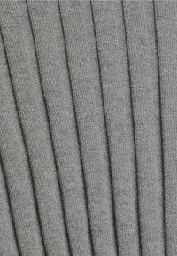 edc by Esprit - ROUND NECK FITTED - Jumper - medium grey - 3