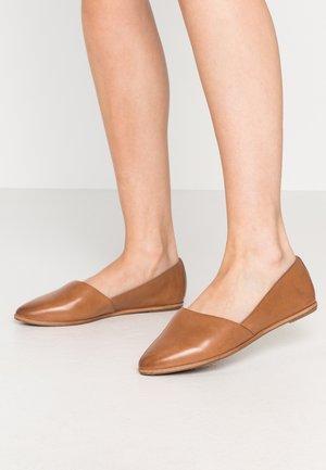 BLANCHETTE - Nazouvací boty - medium brown