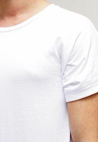 Urban Classics - Print T-shirt - white - 4