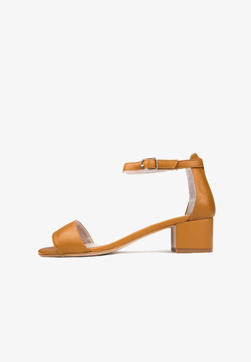 Eva Lopez - Sandals - marron
