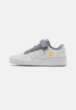 FORUM UNISEX - Sneakers laag - grey