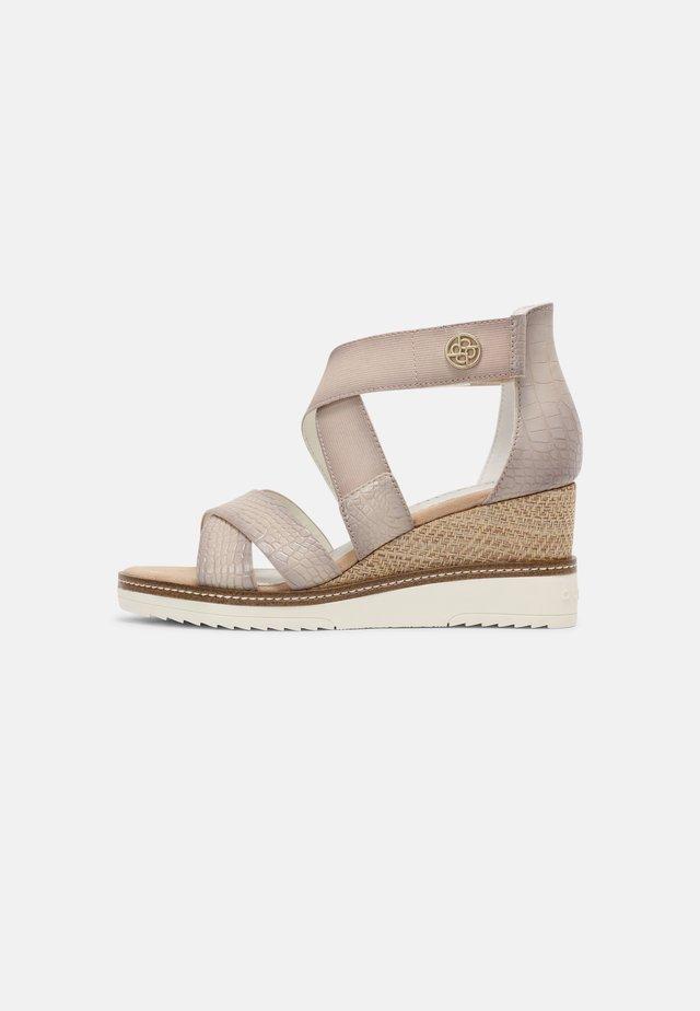 ESRA EVO - Sandales compensées - beige