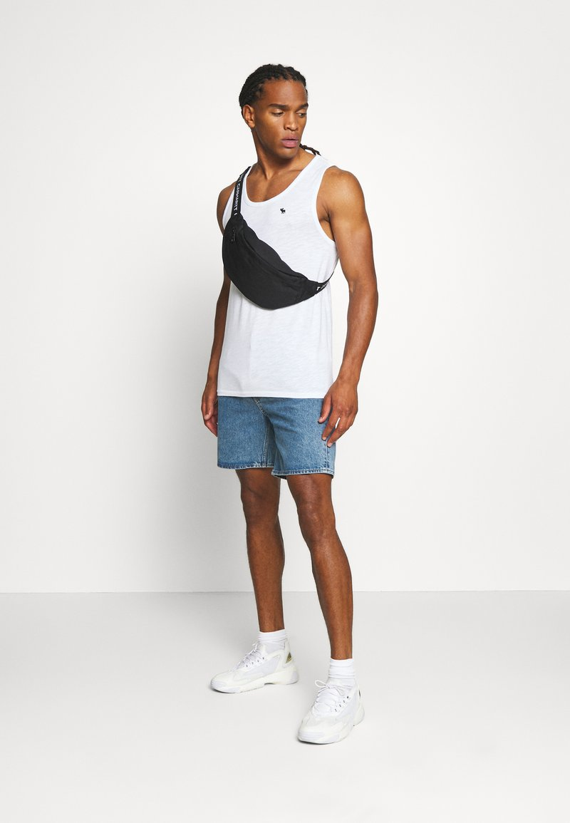 Abercrombie & Fitch - EX TANK 3 PACK - Top - white