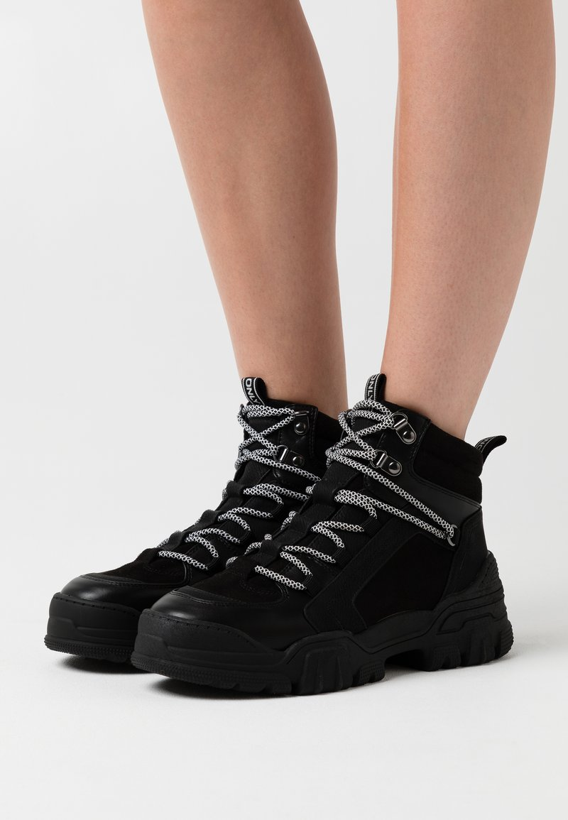ONLY SHOES - ONLSYLKE LACE UP - Ankelboots - black