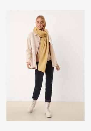 Scarf - light yellow knit