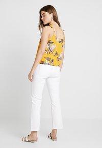 Ivy Copenhagen - FRIDA - Straight leg jeans - white - 2