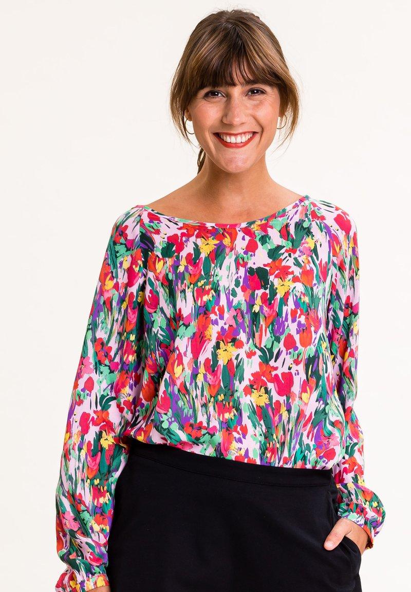 UVR Berlin - Blouse - bunt mit floralem print
