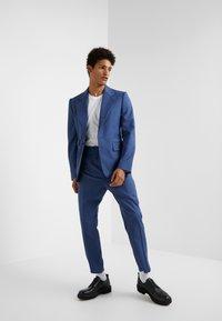 Vivienne Westwood - ELASTIC CROP GEORGE SERGE - Pantaloni eleganti - blue - 1