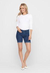 ONLY - ONLSUN ANNE - Denim shorts - medium blue denim - 1