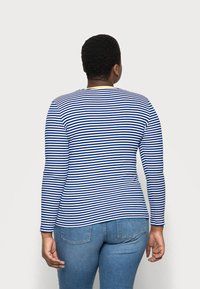 ONLY Carmakoma - CARTINE  - Long sleeved top - blue/white - 2