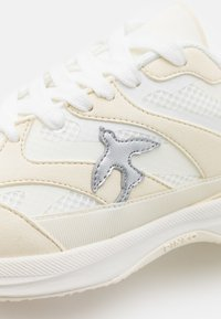 Pinko - LIGHTECH - Tenisky - white - 6