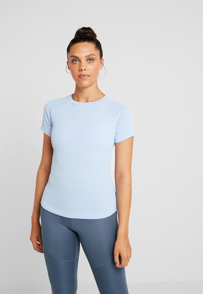 adidas Performance - FREELIFT  - T-shirt z nadrukiem - glow blue
