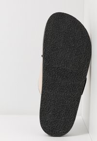 Topshop - PEDRO FOOTBED - Mules - stone - 7